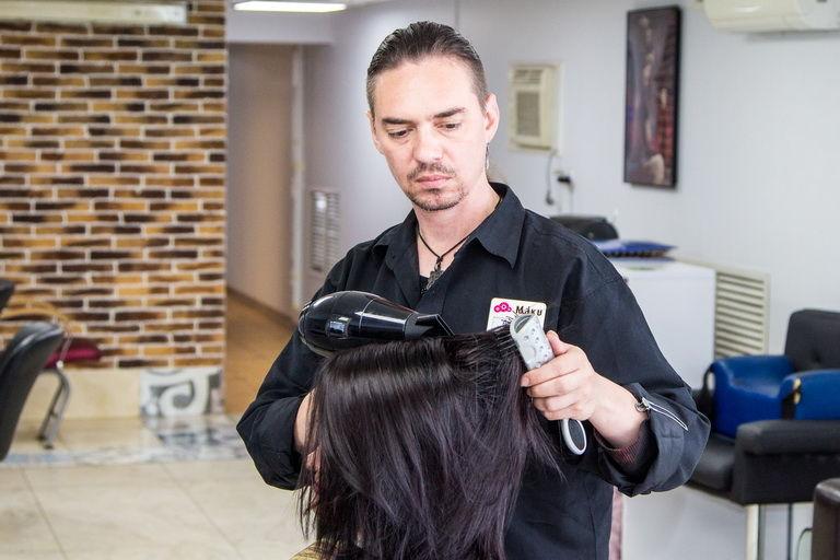известный парикмахер роман фото россии великом устюге появляются