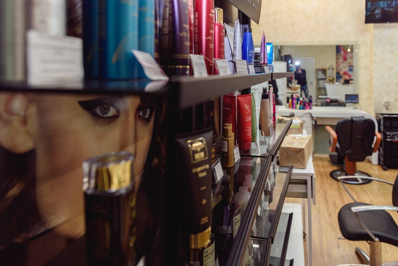 Галерея салона Маки Милан